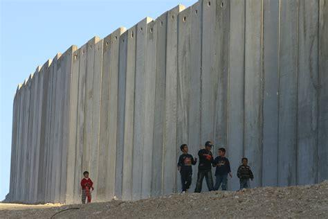 gary field s photos of palestine