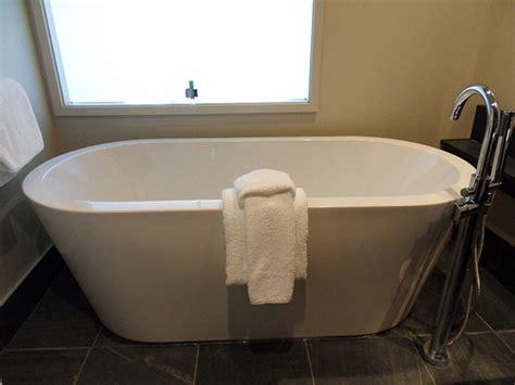 come pulire la vasca da bagno come pulire la vasca da bagno prodotti e segreti