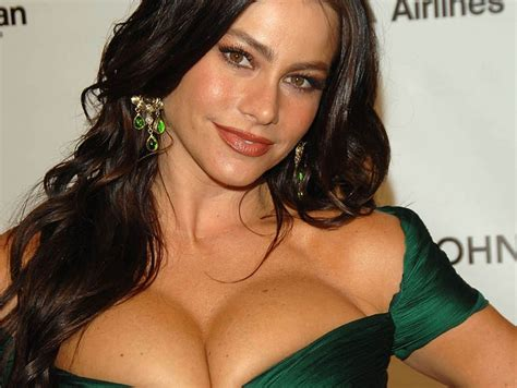 Top Celebrities With Best Cleavage