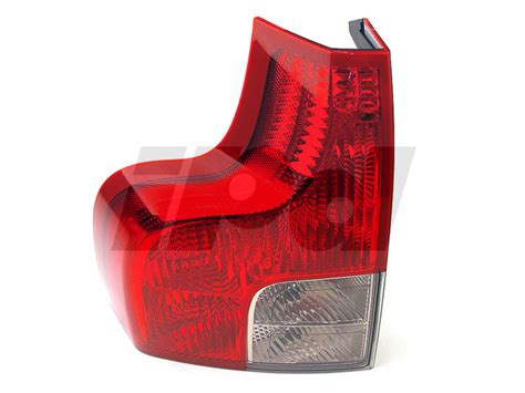 volvo left rear  tail light assembly xc