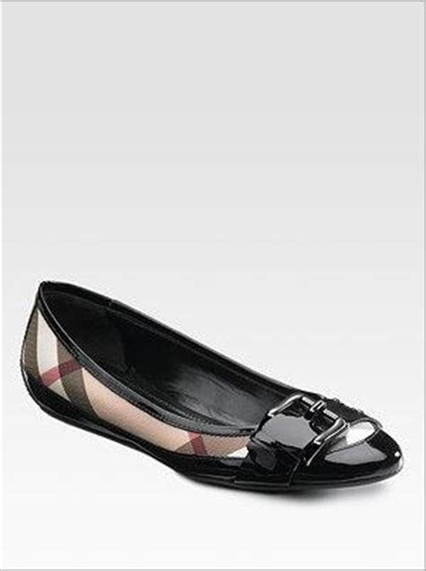 Burberry Shoes Flat 301 moved permanently