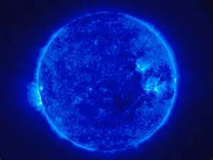 what color is the sun in space ĥ