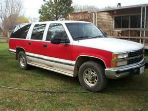 sell used 1992 and white chevy suburban 2wheel drive 3