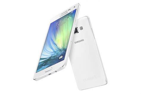 Samsung A3 A5 A7 2016 A8 J5 Manchester United Stripe Cover Casing when will samsung galaxy a3 2016 a5 a7 a8 a9 j5 and