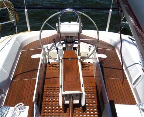 boat repair restoration sailboat rigging varnish