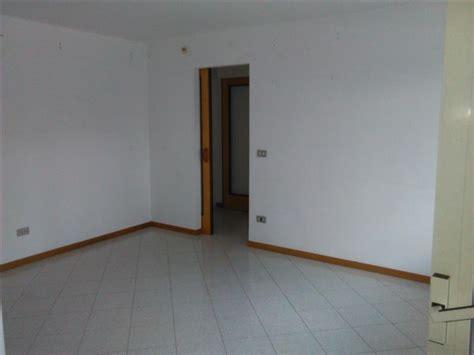 appartamento con terrazzo napoli appartamento con terrazzo parco grifeo napoli 3 locali