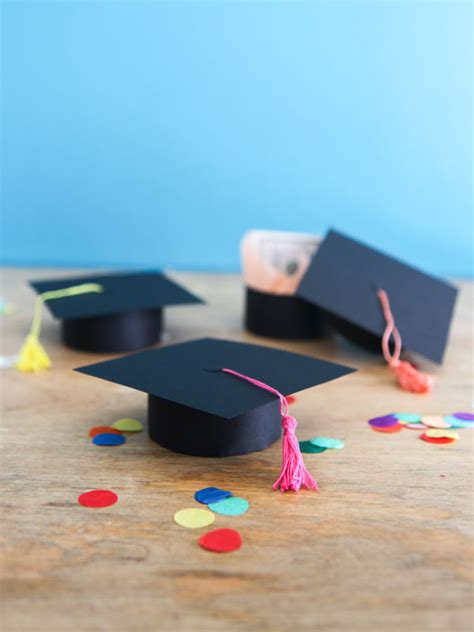 How To Make A Graduation Hat Out Of Paper - graduation cap gift boxes diy