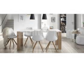 tables et chaises de salle a but
