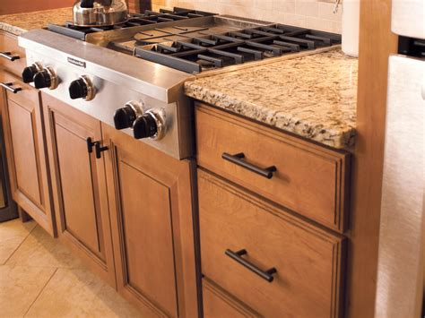 how do you make kitchen cabinets 100 how do you stain kitchen cabinets the ragged