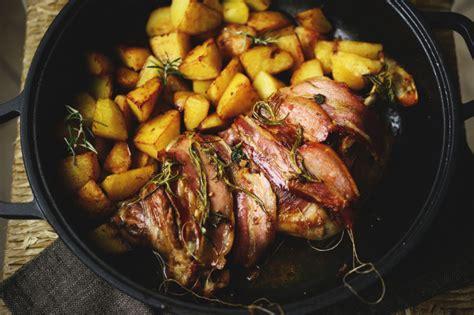 cosa cucinare al forno ricetta agnello al forno con le patate dissapore