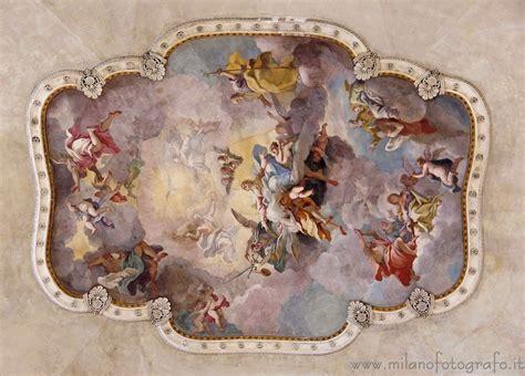 affreschi soffitto affreschi sul soffitto della chiesa di santa