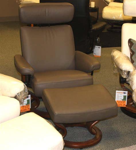stressless taurus recliner stressless taurus large recliner chair ergonomic lounger