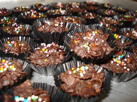 Kue Kering Almond Cheese Coklat Aneka Kue Lebaran Ina Cookies Snack resep kue lebaran 2015 kue kering madina madani satu
