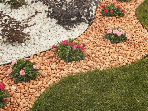 giardini con ciottoli bianchi ciottoli da giardino per fare della tua area verde un