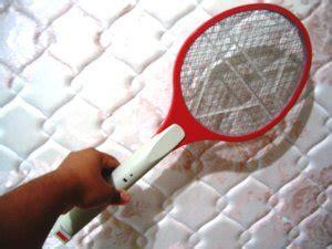 Raket Listrik Pembunuh Nyamuk hukum menggunakan raket listrik untuk mengusir nyamuk