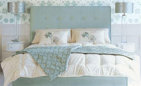 cojines de cama consejos para colocar cojines en tu cama villalba