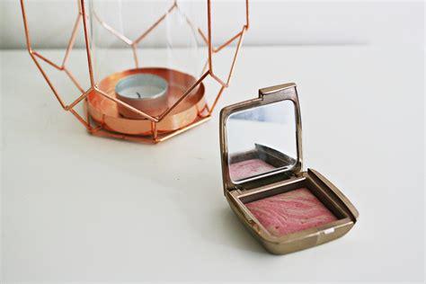 Hourglass Ambient Lighting Blush 1 anywears hourglass ambient lighting blush review