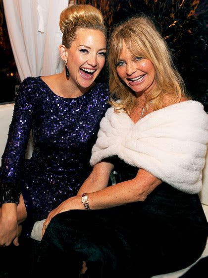 goldie hawn hudson kate hudson with her mom goldie hawn celebrity kids