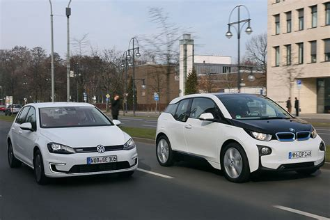 Golf 7 Kofferraum Maße by Bmw I3 Vs Volkswagen E Golf Comparison