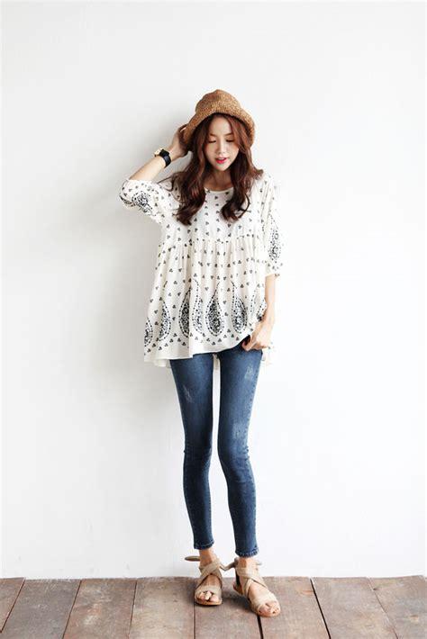 Kaos Line Koreanstyle New Update back stitch line jean