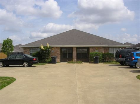 puppy station college station duplex for rent 3 2 duplex to park on tamu