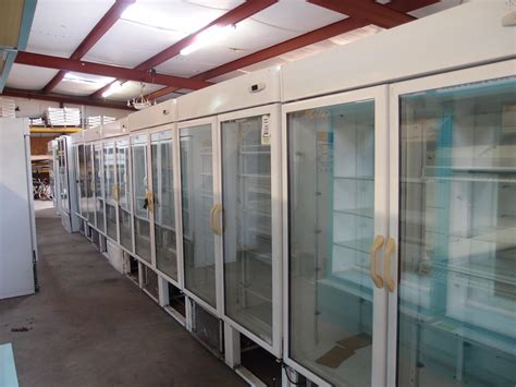 Rent Clothes Racks For Garage Sale by Coolers Freezers Archives Reeves Store Fixtures