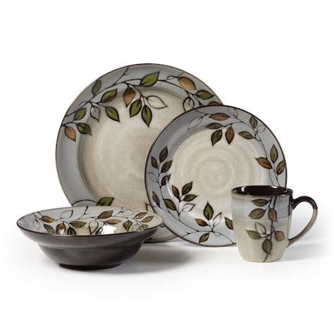 leaf pattern dinnerware set pfaltzgraff rustic leaves 16 pc dinnerware set
