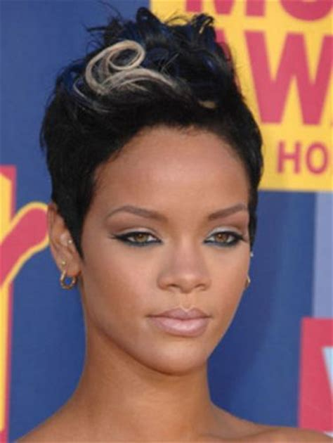 6 Of Our Favorite Rihanna Pixie Hairstyles (RiRi Knows