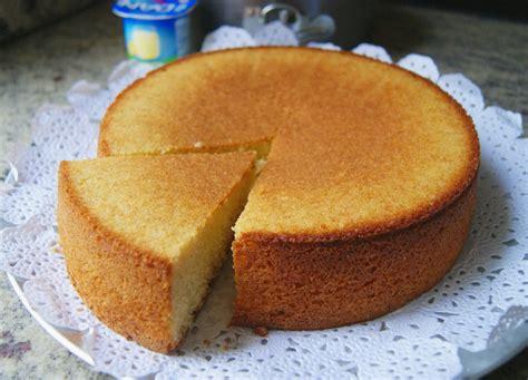 como decorar un pastel de un kilo bizcocho de yogur o torta de yogur anna recetas f 225 ciles