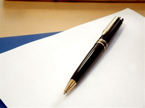 papier und feder free pen and paper stock photo freeimages
