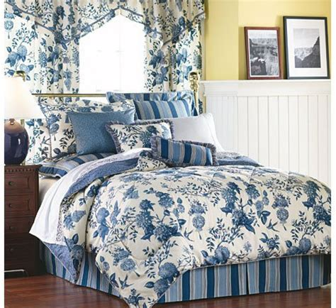williamsburg bedding lightfoot house bedding collection by waverly
