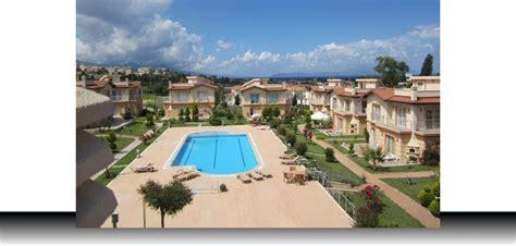 1 huis kopen met 2 gezinnen vrijstaand vakantiehuis in kusadasi te koop