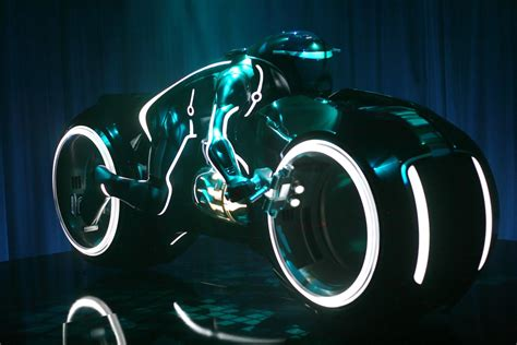 Light Cycle by Luton Light Bike