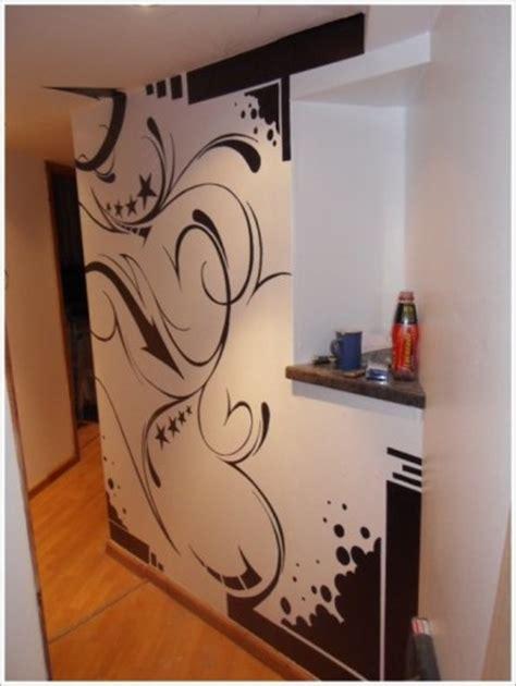 desain interior rumah unik  graffiti wallpaper