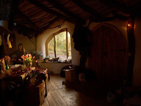 Hobbit Interior by Simon Dale S Hobbit House Apartment 80 Apartment 80