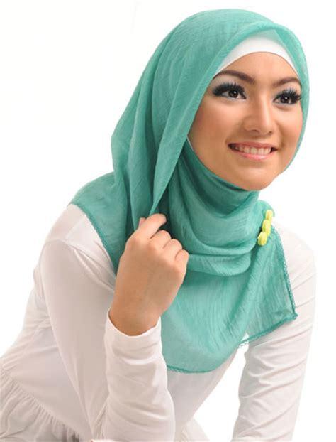 Jilbab Segi 4 Kodendfsegi 4 Lili jilbab segi 4 elzatta aneka jilbab cantik