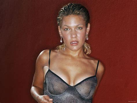 celebrity rageroo celeb movies rageroo kiele sanchez www pink insanity de