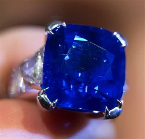 Kashmir Sapphire Sells For 7 Million At Christie's