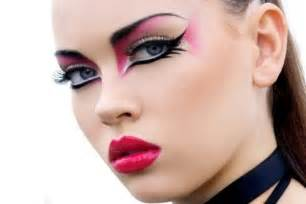 How To Put On Eye Makeup With Pictures make up for carnival 40 ideas for a striking appearance