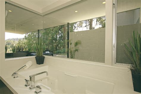 bathroom bizare celebrities outstanding homes the incredible miley cyrus house best design projects