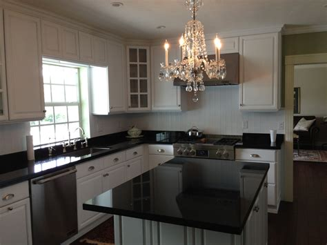 Affordable Kitchen Countertops Affordable Kitchen Countertops Inspiration For A Timeless Eatin Kitchen Remodel In Boston With