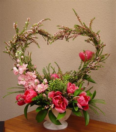 shaped flower arrangements valentines day 33 inspiring valentine s day wedding centerpieces