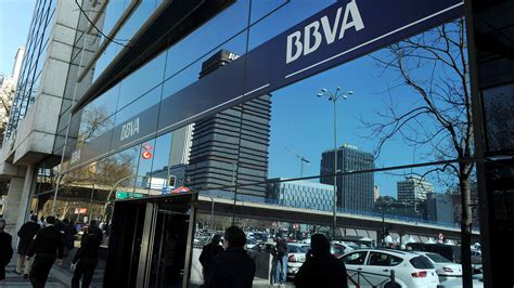 banco bilbao vizcaya argentaria s a banco bilbao vizcaya argentaria s a devuelve 76 590 60