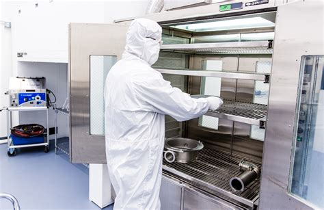 room cleaning critical cleaning services for semiconductor manufacturing