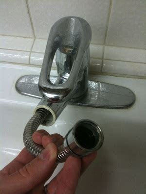 plumbing   Why does my new replacement pull out kitchen