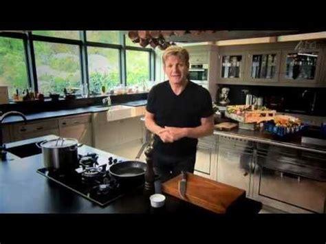 Gordon Ramsays Home Cooking S01e01 Gordon Ramsays Ultimate Cookery Course S01e01