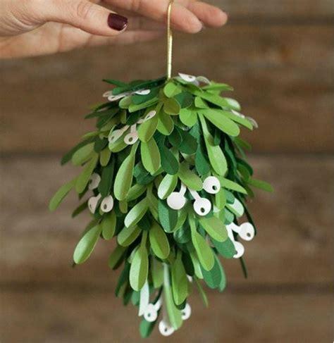 Origami Mistletoe - printable paper mistletoe