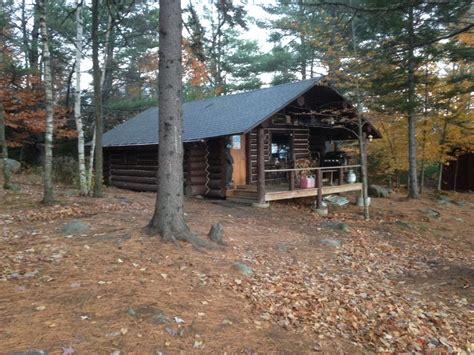 10 amazing tiny vacation rentals homeaway remote off grid log cabin with amazing moun homeaway