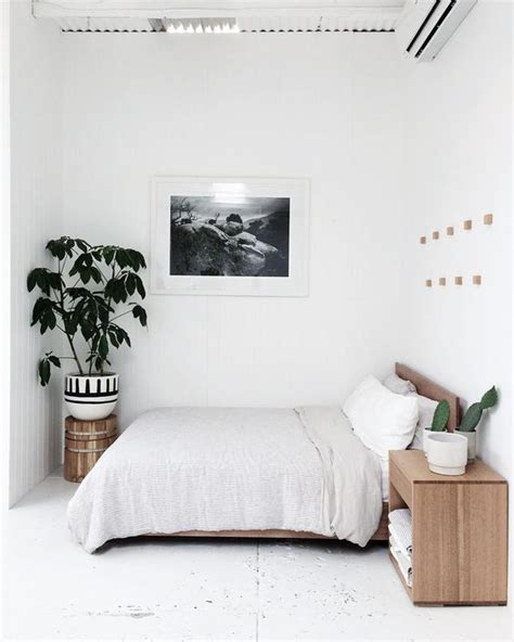 minimalist small bedroom design best 25 minimalist bedroom ideas on pinterest