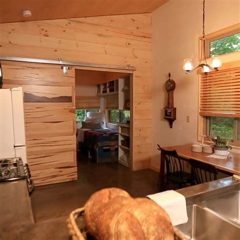 Tiny House Nation Fyi Tv Fyi Tiny House Nation